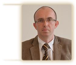 Prodziekan d/s kształcenia i studentów dr Bartosz Chorkowy