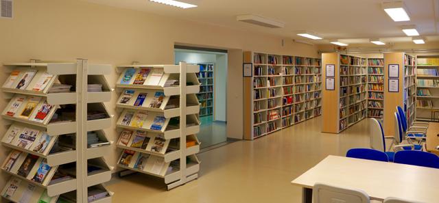 Biblioteka Wydziału Ekonomicznego - regały