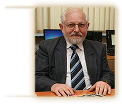 dr hab. inż. Adam Czerwiński prof. UO