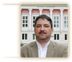 dr hab. inż. Rafał Matwiejczuk, prof. UO