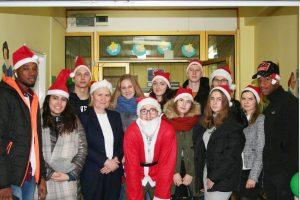 Mikołaj z wizytą u dzieci w Uniwersyteckim Szpitalu Klinicznym w Opolu