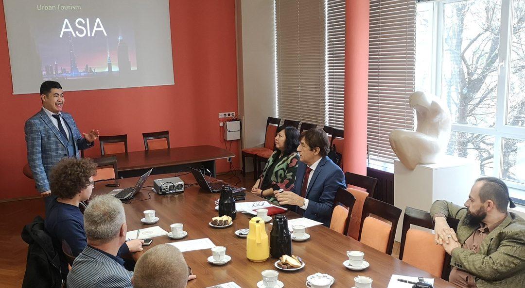 Wykłady i spotkania naukowców z Kazachstanu